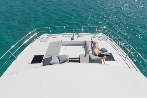 5 New Fountaine Pajot Motor Yachts on Order:MY 40 and MY 44