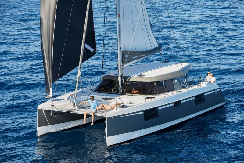 Catamarans between 40 and 42 Feet - $351,000 to $451,000