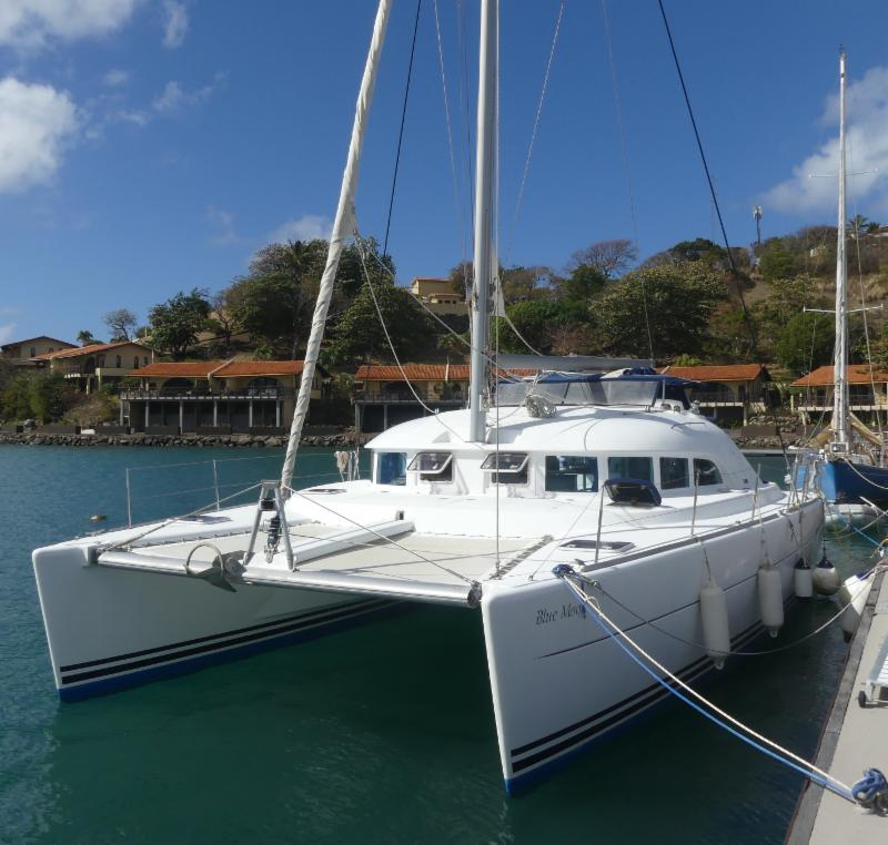 2004 Lagoon 380 For Sale Located in Grenada