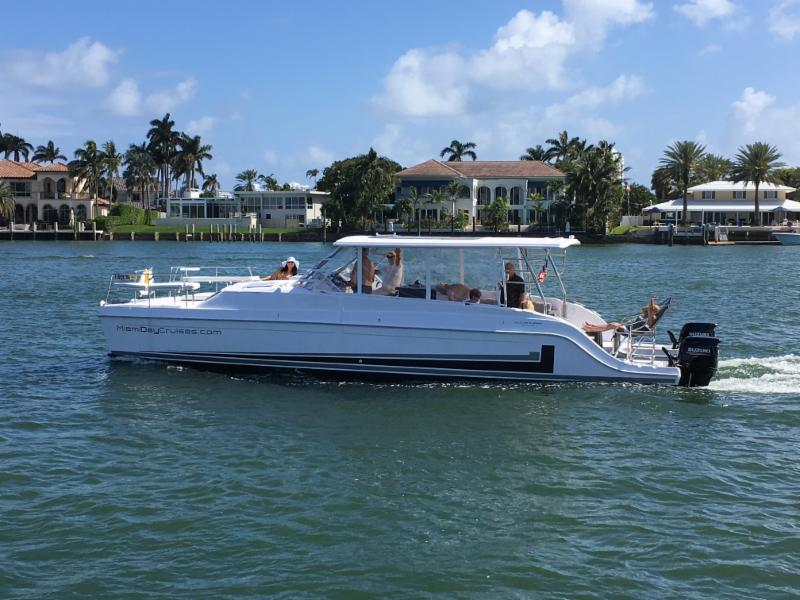Gemini Freestyle 399 POWER at Miami Boat Show